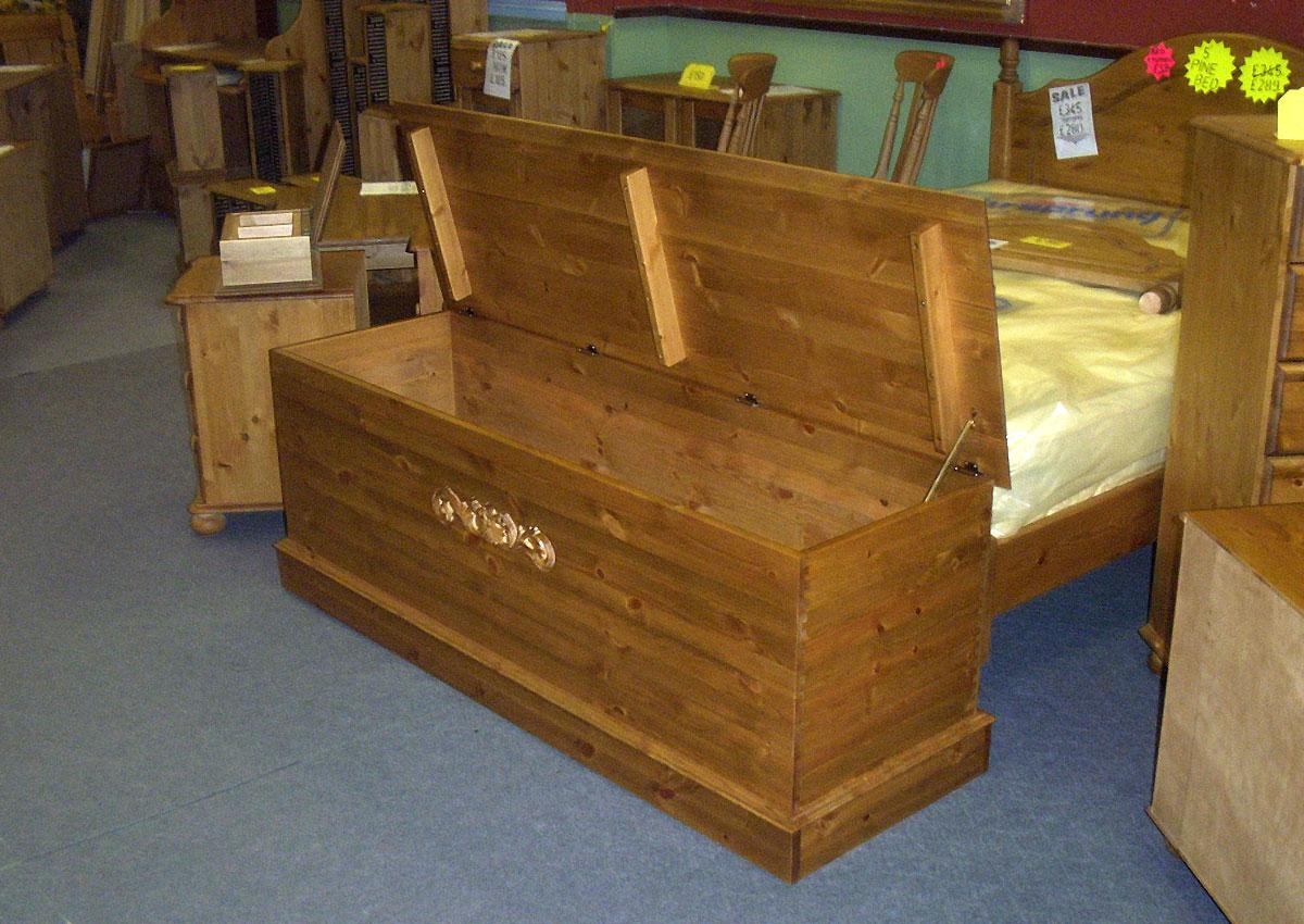Pine Blanket Boxes