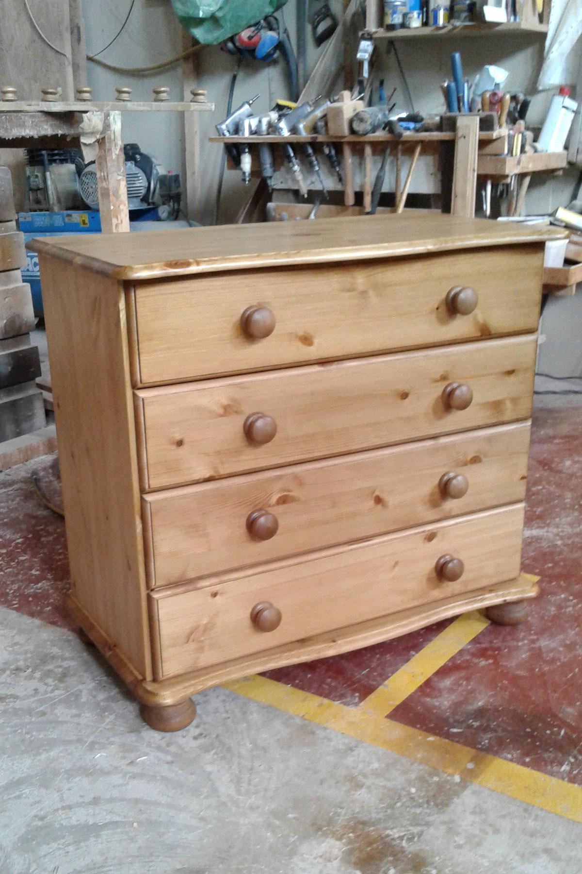 Large 4 Drawer Pine Chest of Drawers