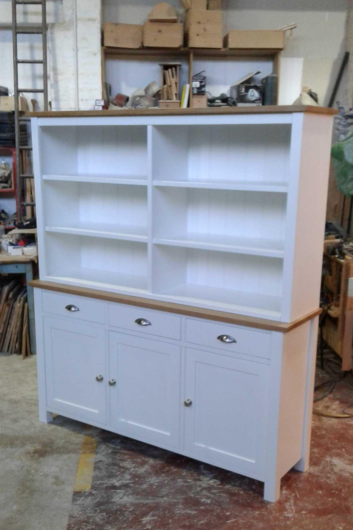 Made-to-measure Painted Kitchen Dressers