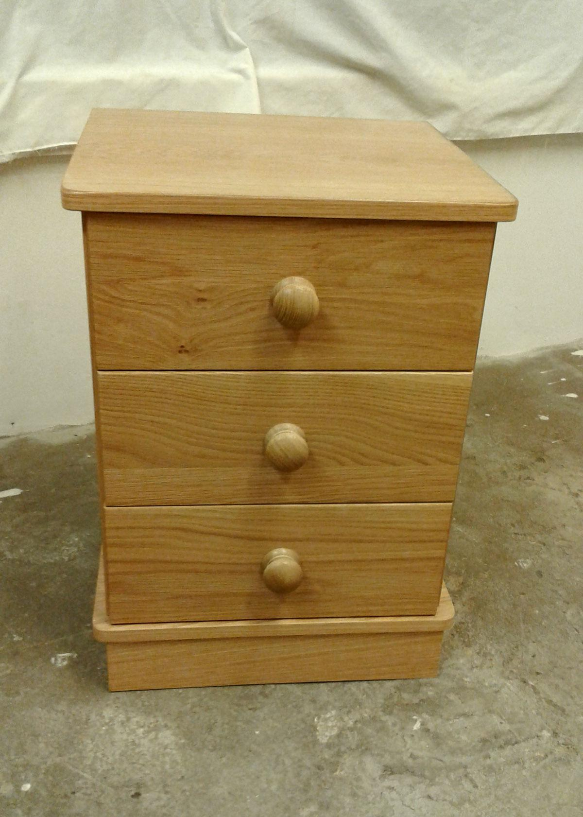 Exmoor Oak 3 Drawer Bedside Cabinet