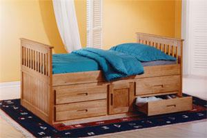 The Captain Bed gives you the choice of two finishes of either waxed or white. Both to suit any type of room