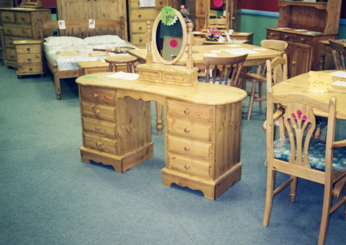 Custom made dressing tables UK