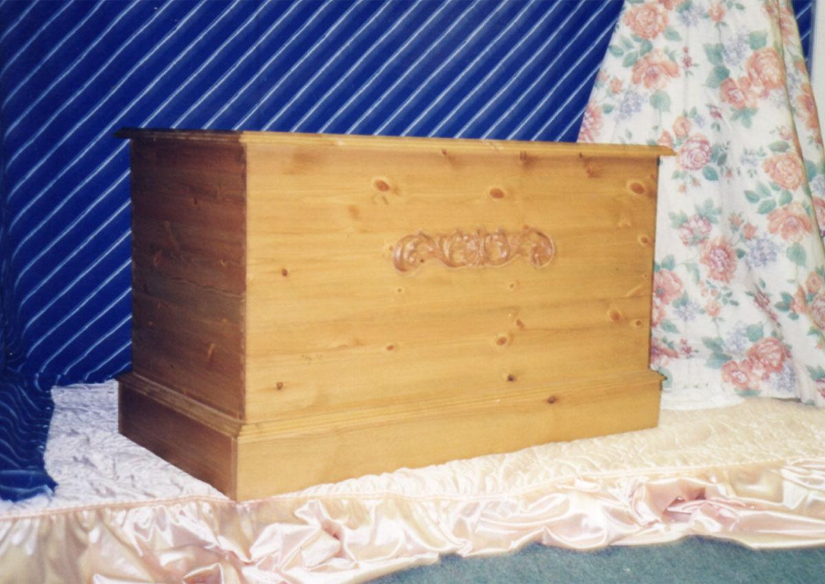 Devonshire Pine range of blanket boxes