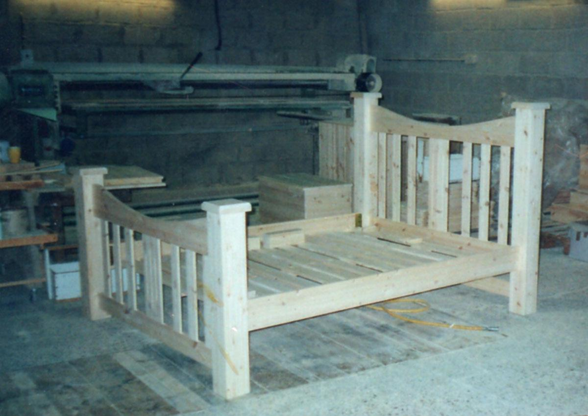 Our oak bed frames are available in the standard UK sizes to meet your requirements