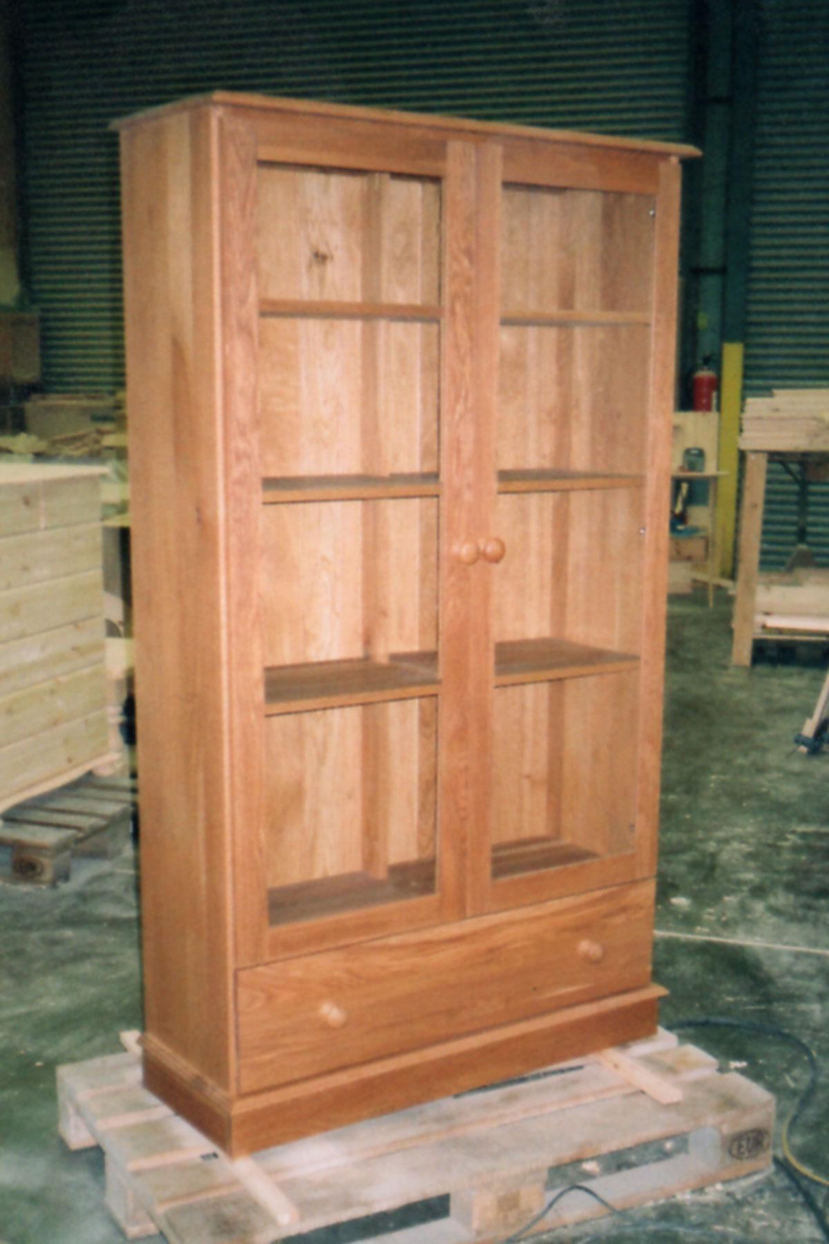 Made to measure Bookcases and Display Cabinets